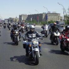 В Москве водитель сбил мотоциклиста, виновник задержан