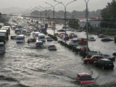 В Тбилиси продолжаются поиски пропавших после наводнения