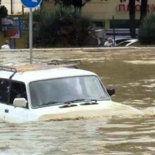 Ливни в Сочи: затоплены дома, эвакуированы люди