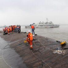 В КНР на месте крушения судна 416 человек числятся пропавшими