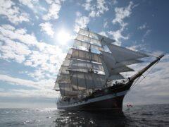 Российский барк «Крузенштерн» столкнулся в Рейкьявике с судами охраны