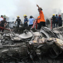 Авиакатастрофа в Индонезии, погибло более 100 человек