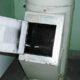Минск: спасатели в Чижовке извлекли мужчину из мусоропровода