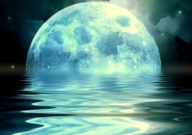 Golubaya-Luna-e1435806790696