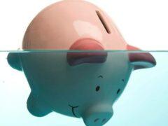 Россиян с долгами в полмиллиона рублей начали признавать банкротами