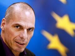 Глава Минфина Греции уходит в отставку
