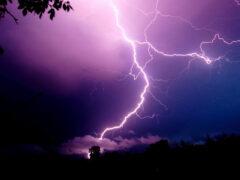 В Слониме 74-летняя пенсионерка погибла от удара молнии
