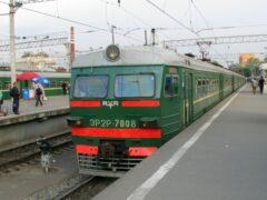 На Курский вокзал Москвы прибыла электричка с пылающей кабиной машиниста