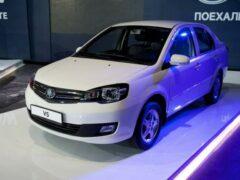 Cедан FAW V5 с АКПП вышел на китайский рынок