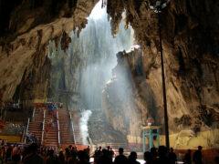 Малайзия: пещеры Бату не получат статуса наследия ЮНЕСКО