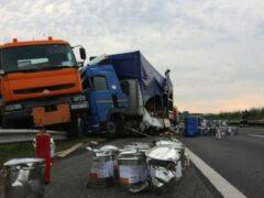 Четыре человека погибли в аварии с грузовиком в Коми