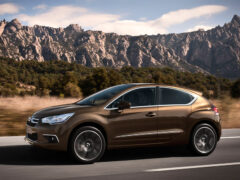 В интернет просочились изображения новых Citroen DS4 и DS4 Crossback