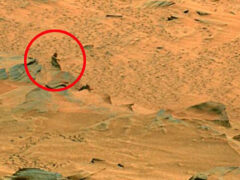 На фото с Марса обнаружили следы звездных войн