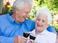 Двадцать процентов пожилых людей злоупотребляют алкоголем — исследователи