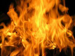 В центре Курска сгорел «Рено Логан»