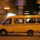 Петербург: в Петергофе маршрутка сбила пешехода — очевидцы