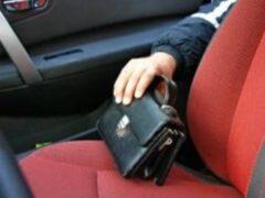 В Саратове пассажир обворовал таксиста