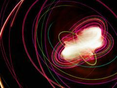 Ученые смогли телепортировать фотон на расстояние в 100 километров