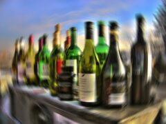 В Москве добычей грабителей склада стали 10 бутылок алкоголя