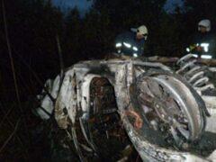 В Подмосковье после ДТП в авто сгорели четыре человека