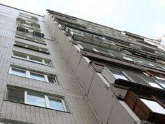 В Петербурга из окна дома на Невском проспекте выпал мужчина