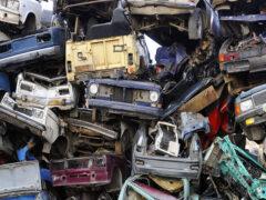 200 брошенных автомобилей было утилизировано с улиц Москвы в этом году
