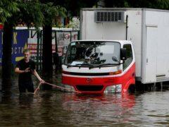 Автомобильный мост рухнул в Уссурийске, подтопленном после тайфуна