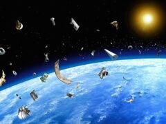 МКС уклонилась от столкновения с опасным космическим мусором
