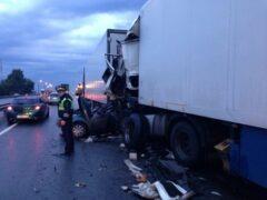 Четыре человека погибли в жуткой аварии в Тверской области