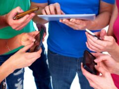 В РФ запустят мобильное приложение для наркоманов и алкоголиков