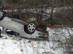 В Свердловской области попал в ДТП автомобиль из свадебного кортежа