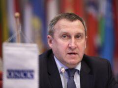 Посол Украины в Польше намеренно облил вице-премьера Крыма кофе