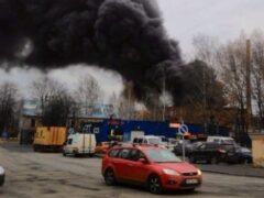 В Петербурге загорелся склад завода «Пластполимер»