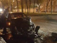 Петербург: На Лиговском BMW разбит всмятку после встречи с фурой