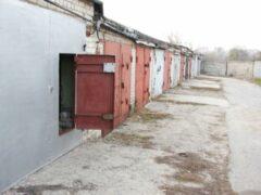 Владельцев гаражей в Красноярске ограбили почти на три миллиона рублей