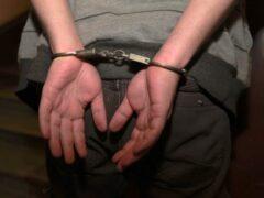 В Алматинской области на полицейского напал пьяный мужчина с огнетушителем