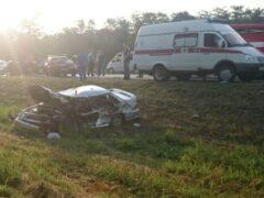 Под Краснодаром в аварии с иномаркой погибли четыре человека