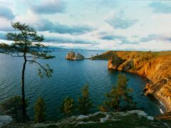 Ученые отказались искать метеорит, упавший в озеро Байкал