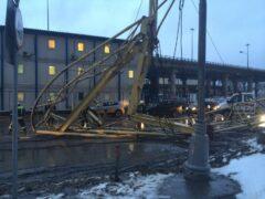 Петрозаводск: башенный кран упал на строящееся здание