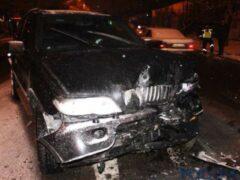 В Ростове BMW сбил женщину с ребенком на тротуаре