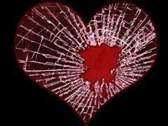 Ученые: Сильные эмоции в горе могут привести к сердечному приступу