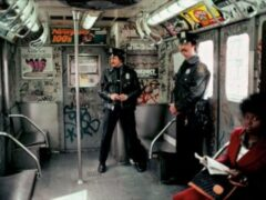 Неизвестный порезал бритвой четырех пассажиров метро в Нью-Йорке
