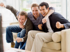 Современным мужчинам не хватает друзей — ученые
