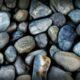 Пьяный житель Невинномысска разбил камнями иномарку знакомой