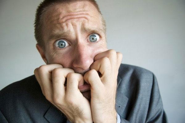 Французские ученые заявили что тревожность может помочь человеку в опасной ситуации. В эксперименте участвовало 24 человека