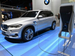 BMW презентовал новый SUV X5 PHEV на автосалоне в Гуанчжоу