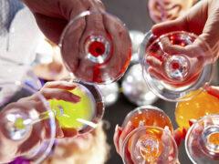 Ученые: Алкоголь может сделать людей привлекательнее