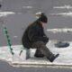 Льдина с двумя людьми оторвалась на Енисее в Красноярском крае