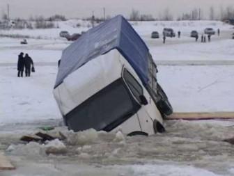 самосвал под лед