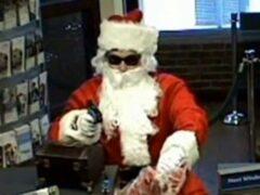В Екатеринбурге поймали Санта-Клауса грабителя